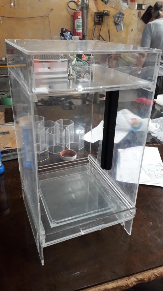 Caixa para experimento laboratorial